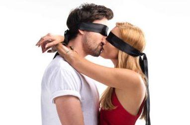 Kiss-Bang-Love-Red-Arrow-416.